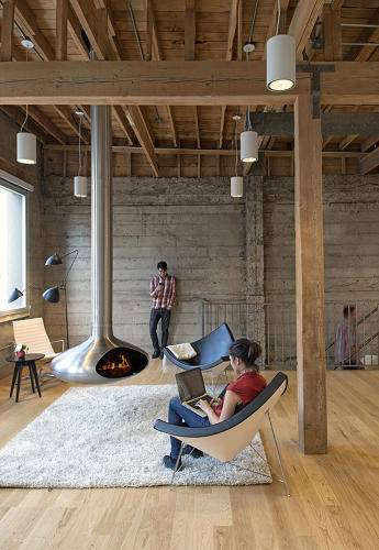 A Silicon Valley office that embraces classic design to create its buzz