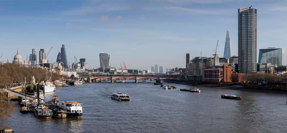 Tall-buildings-and-the-Thames