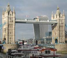 walkie-talkie-tower-bridge