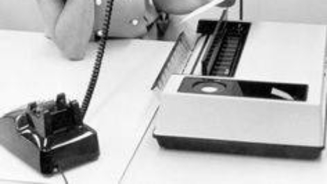 Many EU workers clinging to their fax machines and desktops, claims report