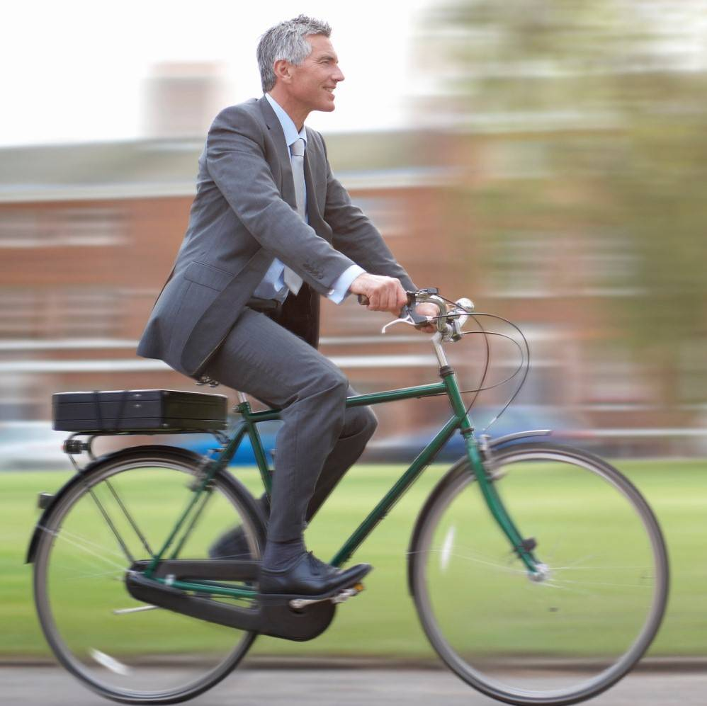 Walking or cycling to work associated with lower risk of cancer and heart disease