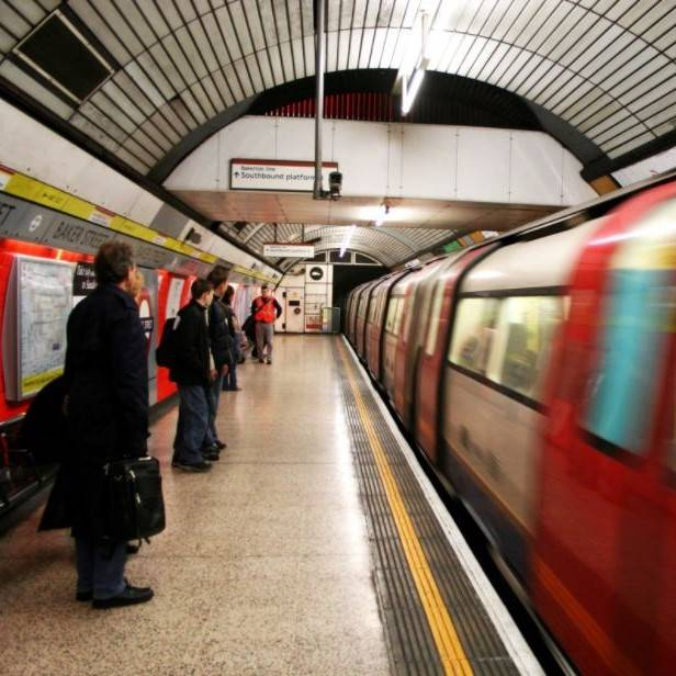 Average worker now spends 27 working days a year commuting, finds TUC