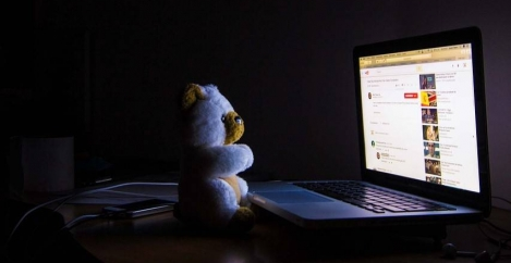 Use of tech in the evening linked to sleep disruption and a range of serious mood disorders