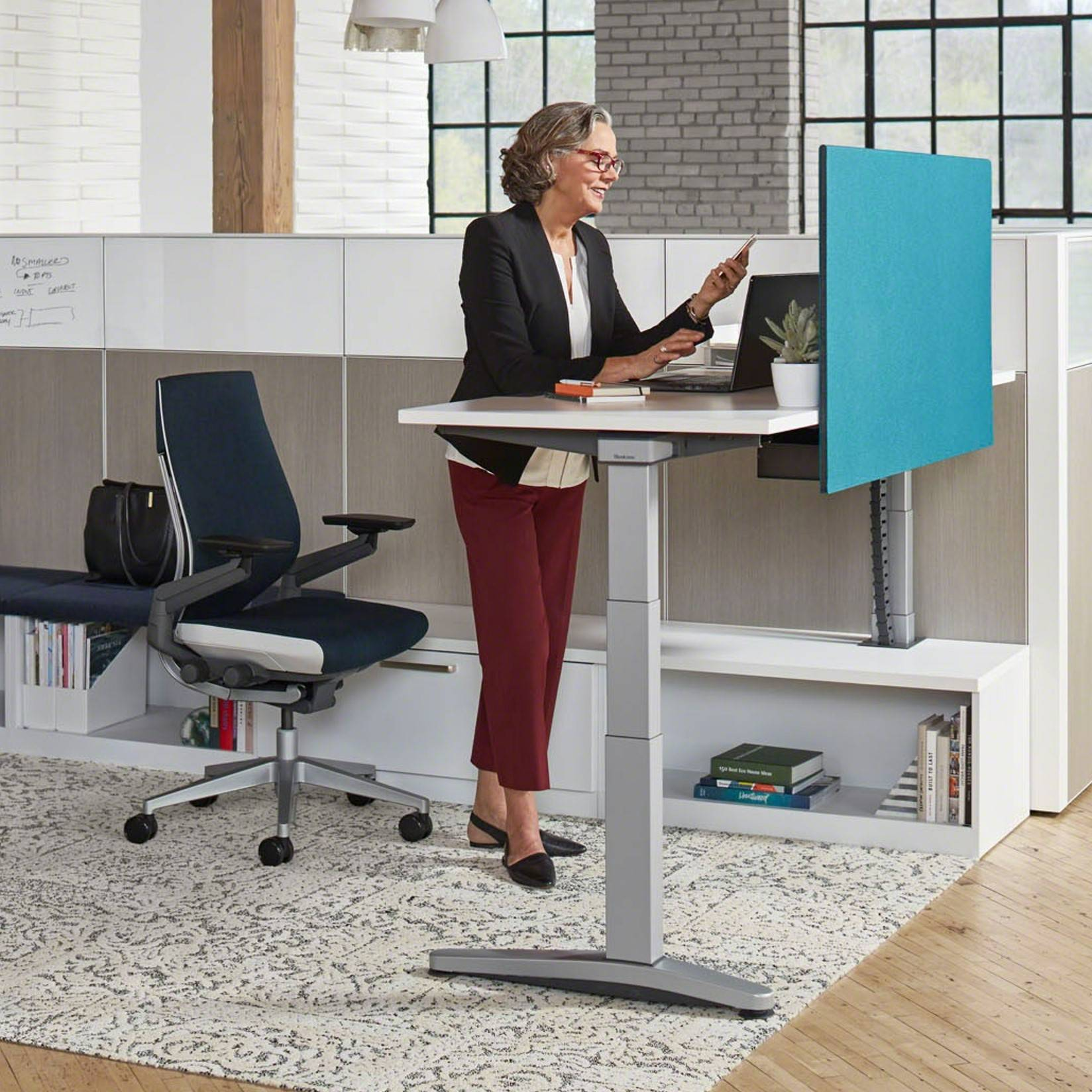 New Study Claims To Confirm The Benefits Of Sit Stand Workstations Workplace Insight