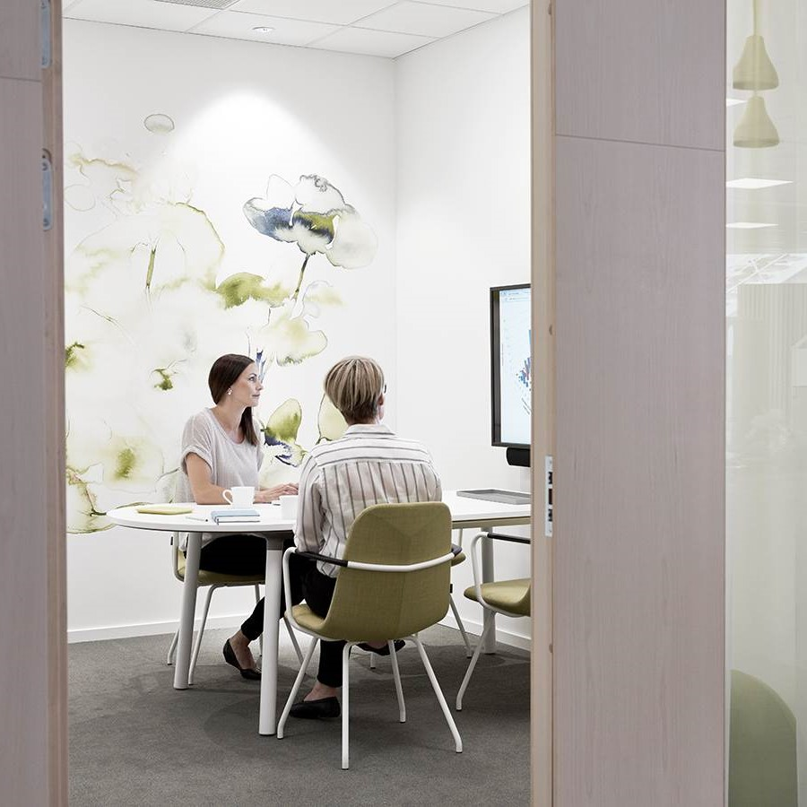 Meeting rooms in agile workspaces