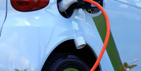 Third of people say they will never buy electric vehicle