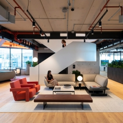 Modern office design by BDG