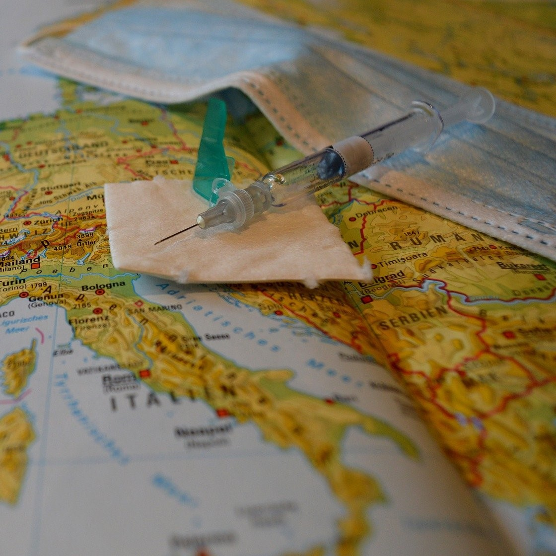 Differing global vaccine programmes create challenges for employers with overseas staff