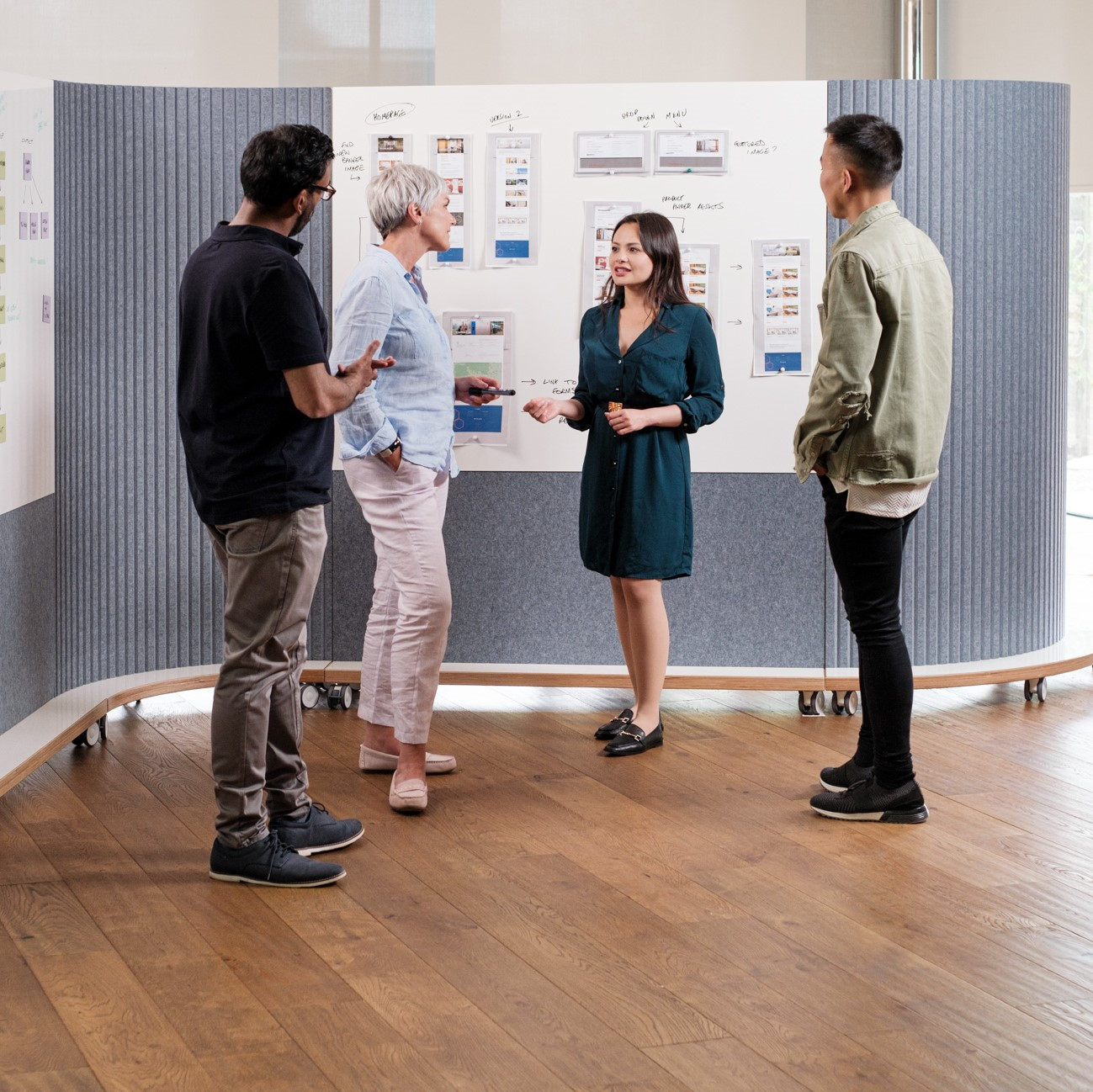 Create collaboration corners with ThinkingWall mobile walls from Logovisual